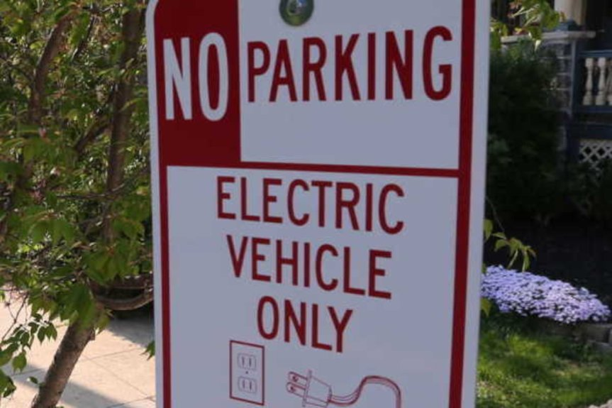 Accommodating Electric Vehicles in the City
